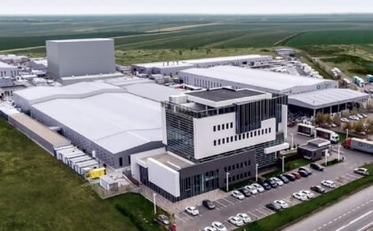 Photographie de l'usine de fabrication de menuiserie QFORT