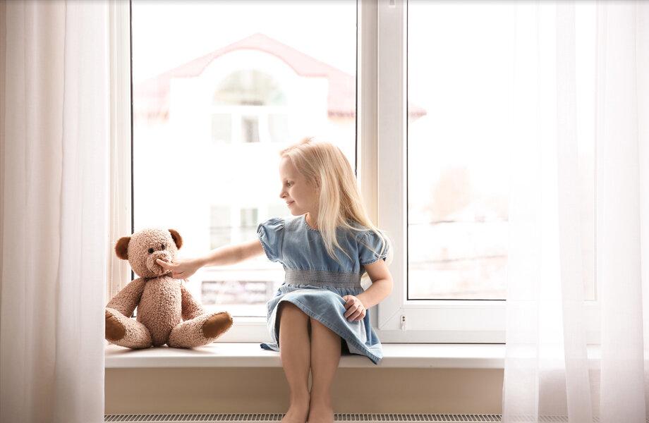 Fenêtres lumineuses pour chambre d'enfant